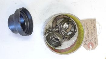 APRILIA RALLY BOTTOM YOKE SPECIAL NUTS AND COVERS.(CON-A)